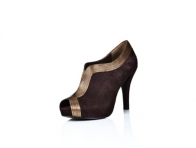 Altın Rengi Süslemeli Topuklu Kısa Bayan Botları