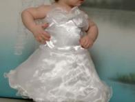 Beyaz Bebek Abiye Modeli