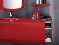 Kırmızı Banyo Dolabı